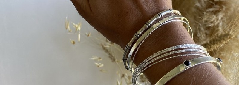 Bracelets of the new AMATA BIJOUX collection in gold plated